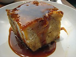 256px-banana_foster_bread_pudding_detail